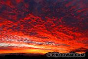 Coucher de soleil ciel rouge de feu