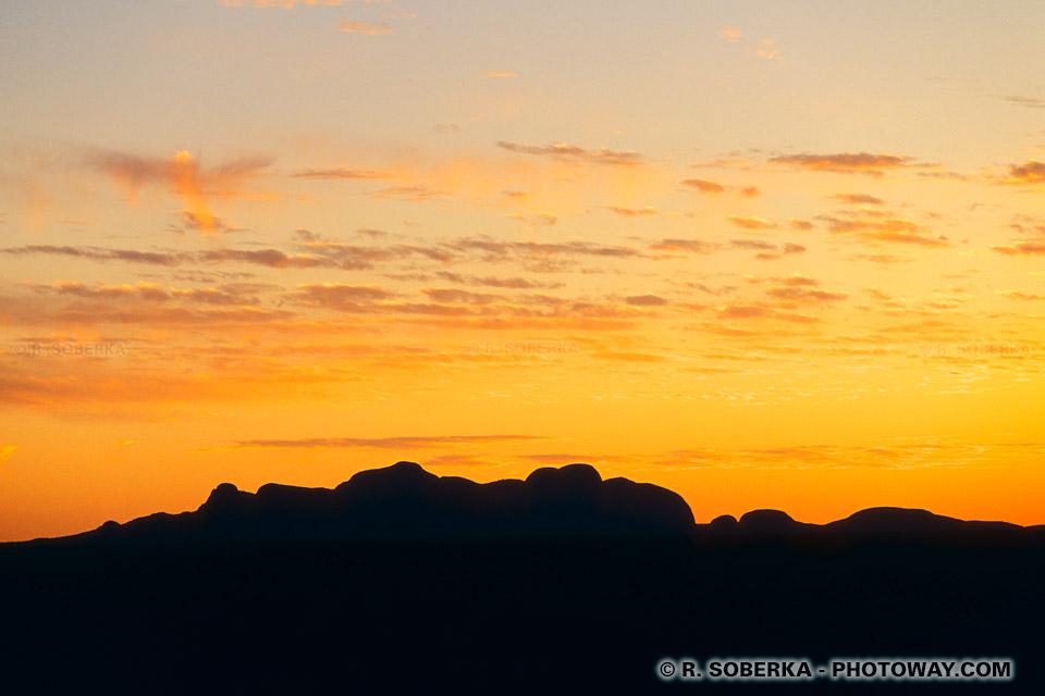Coucher de soleil sur les monts Olgas