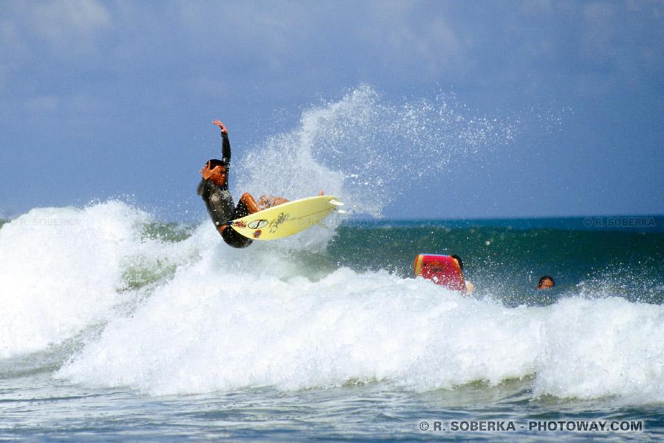 surfer à Kuta Beach