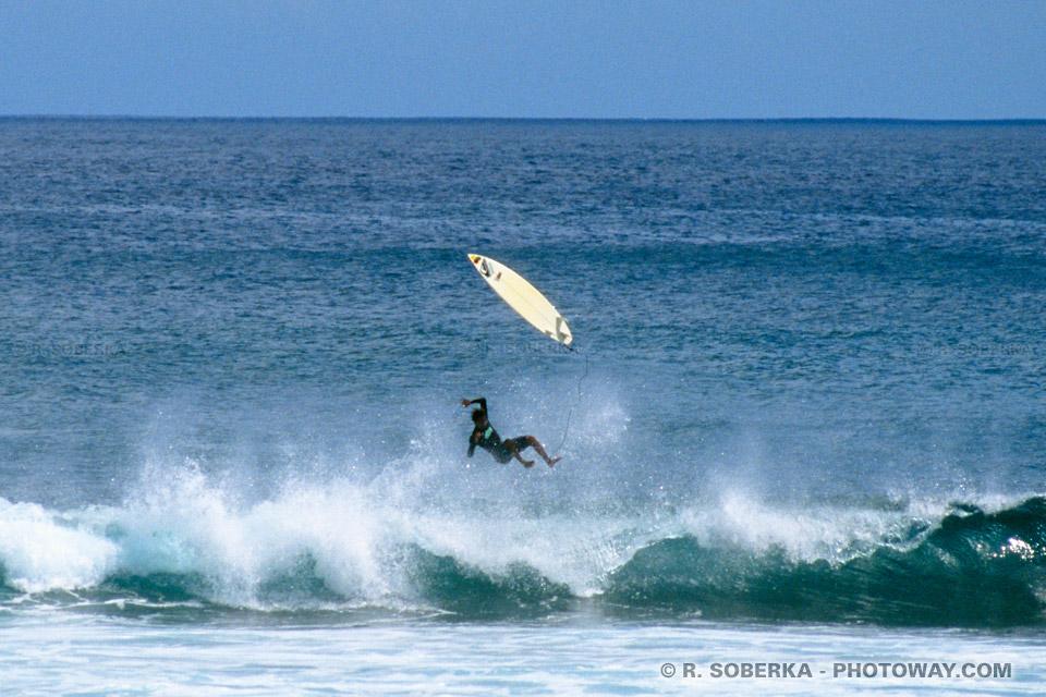 chutes de surfers