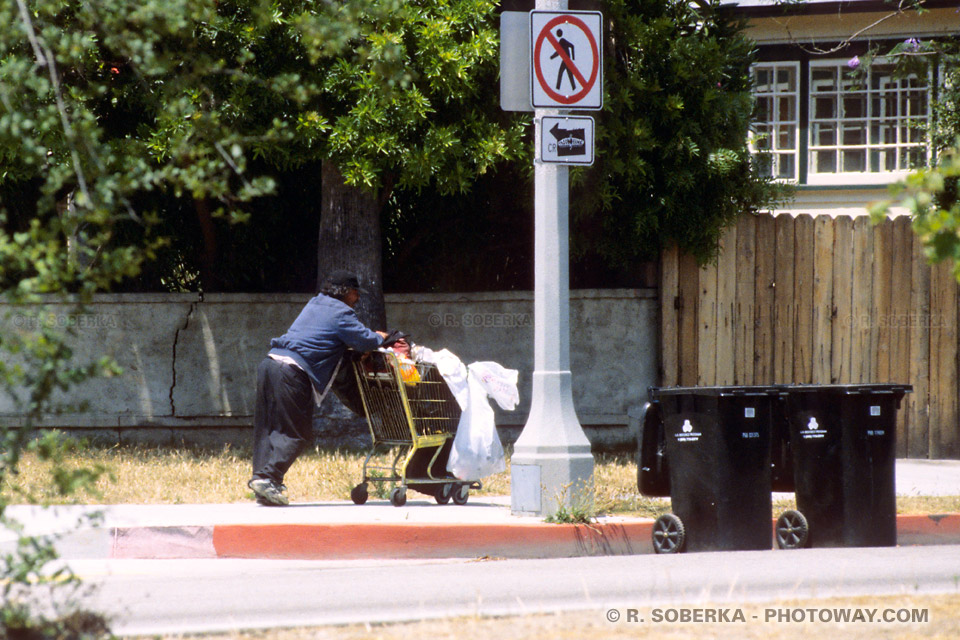 Photo d'un Homeless dans la rue à Los Angeles