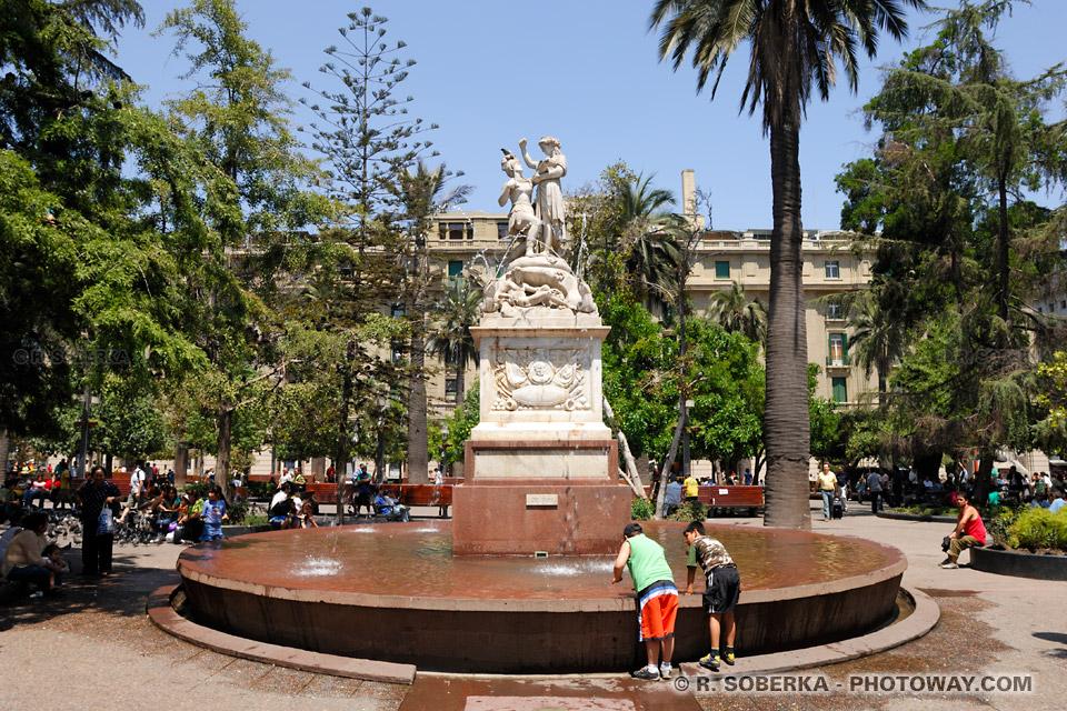 Photo de la Plaza de Armas à Santiago - Histoire du Bolivarisme en Amérique du sud