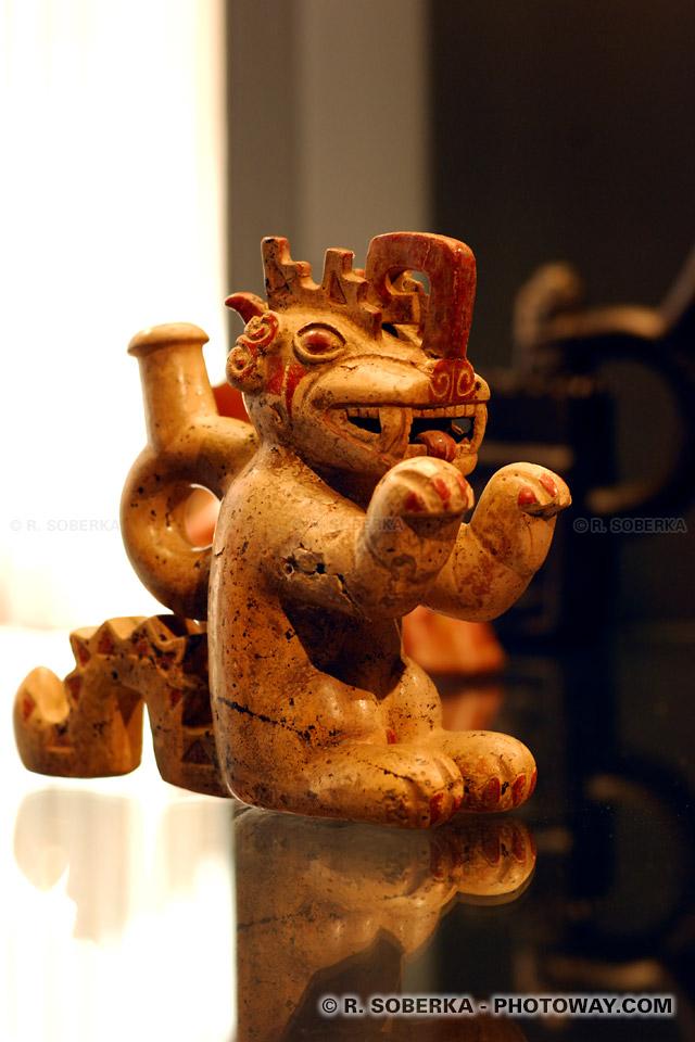 """Photo d'un dragon"""" Moche"""" - Visite du Musée d'Art Précolombien de Santiago Chili"""