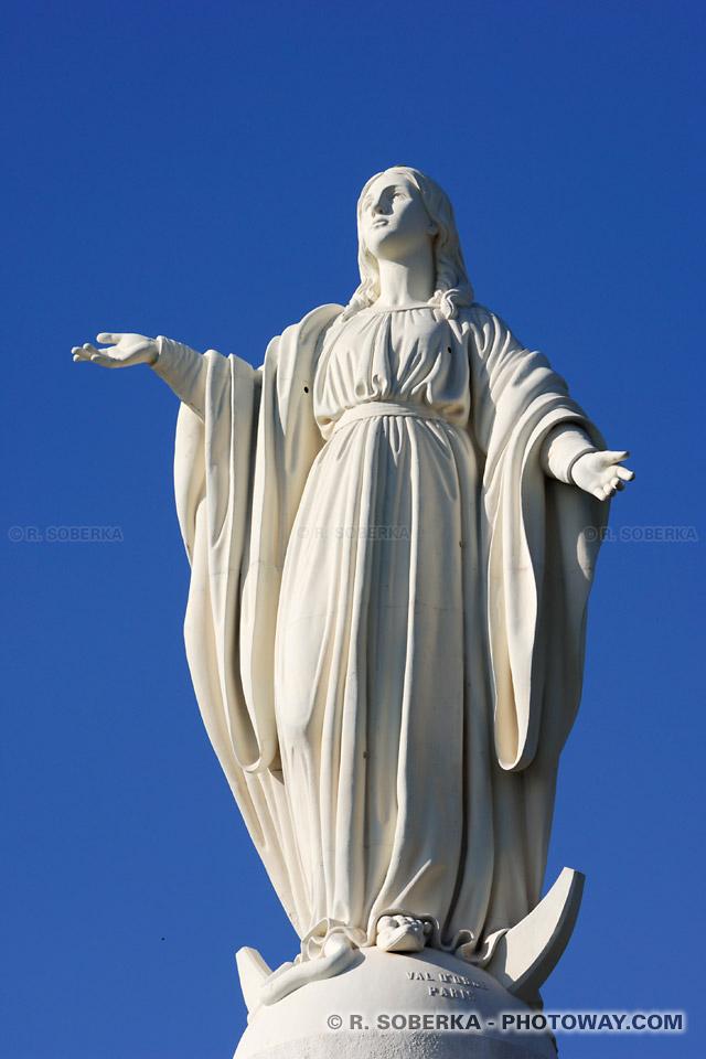 Photos de la Vierge Marie - statue dominant Santiago au Chili