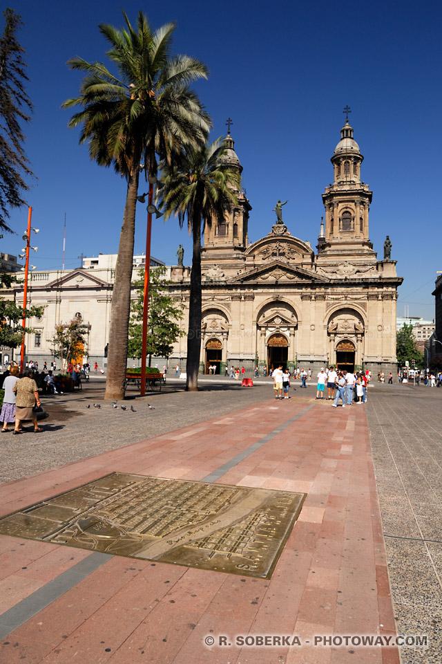 Photos d'une ancienne carte de la ville de Santiago au Chili