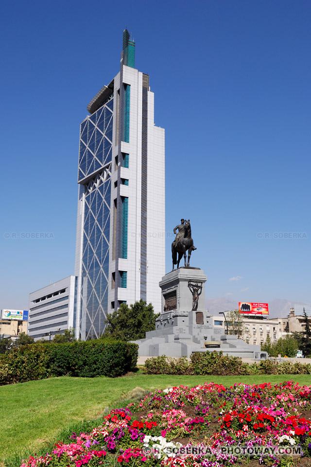 Photo de la place d'italie : Photos Plaza Baquedano à Santiago au Chili