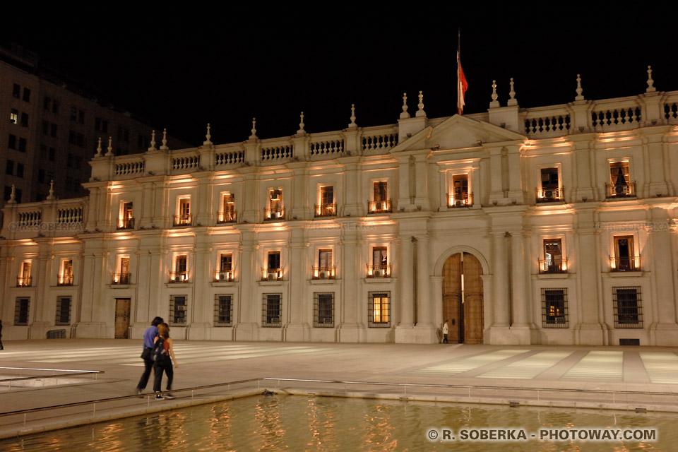 Photo de La Moneda et Histoire de la dictature du général Pinochet au Chili