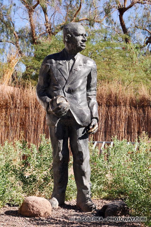 Photo de la statue de Gustave Le Paige à San Pedro de Atacama au Chili