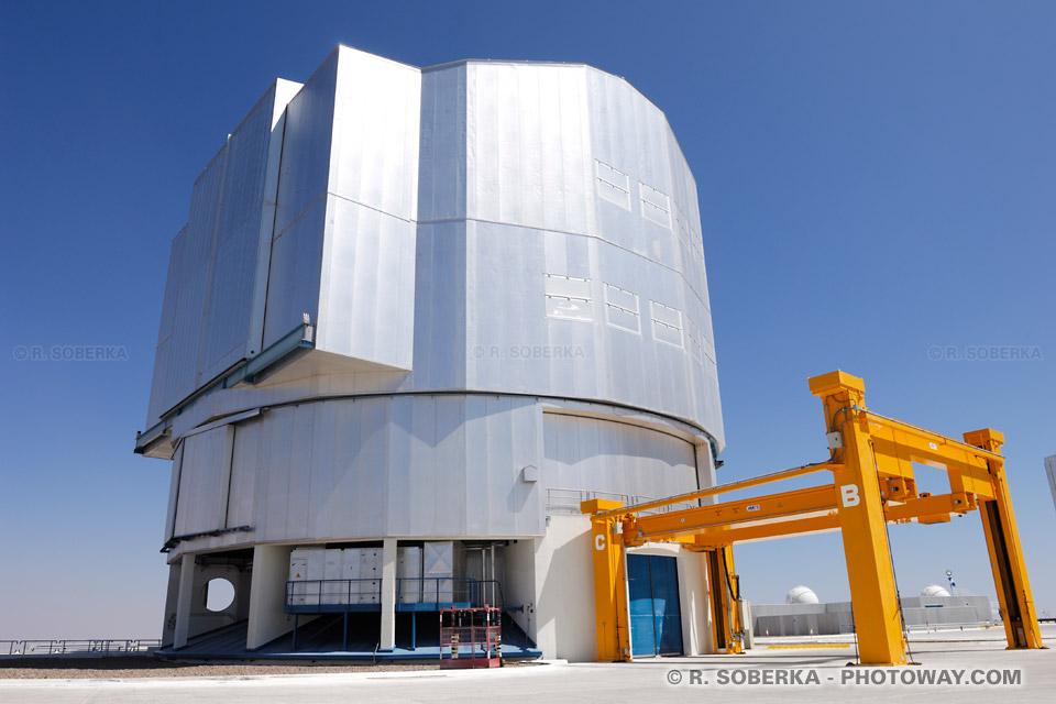 élescope géant VLT au Chili image télescope à Paranal