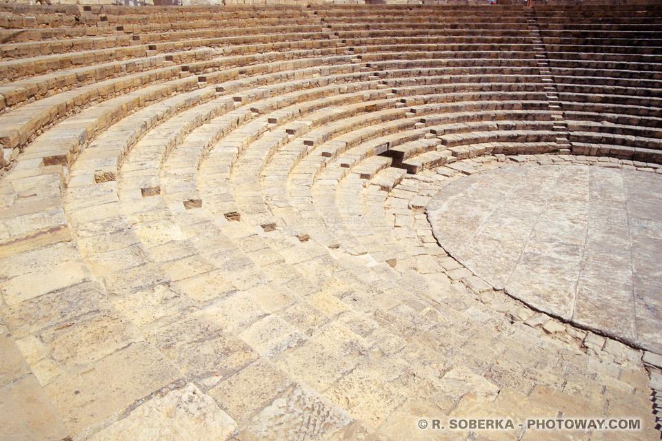 Images Photos d'amphithéâtres photo de l'amphithéâtre romain de Kourion à Chypre