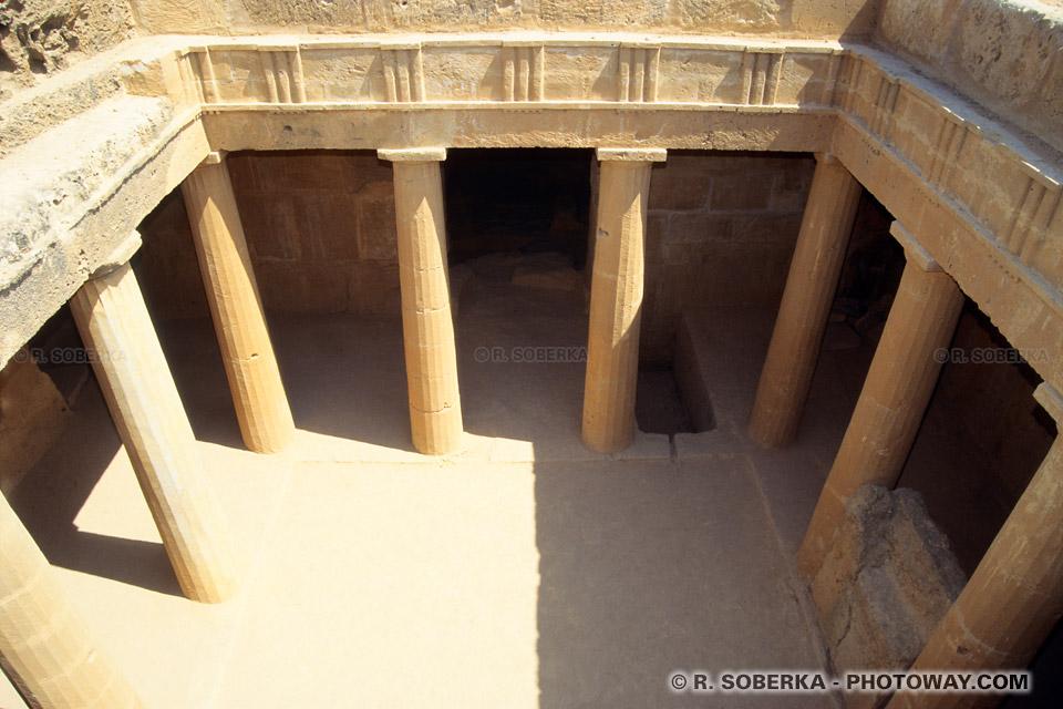 Images Photos des tombeaux des rois à Chypre site archéologique Paphos