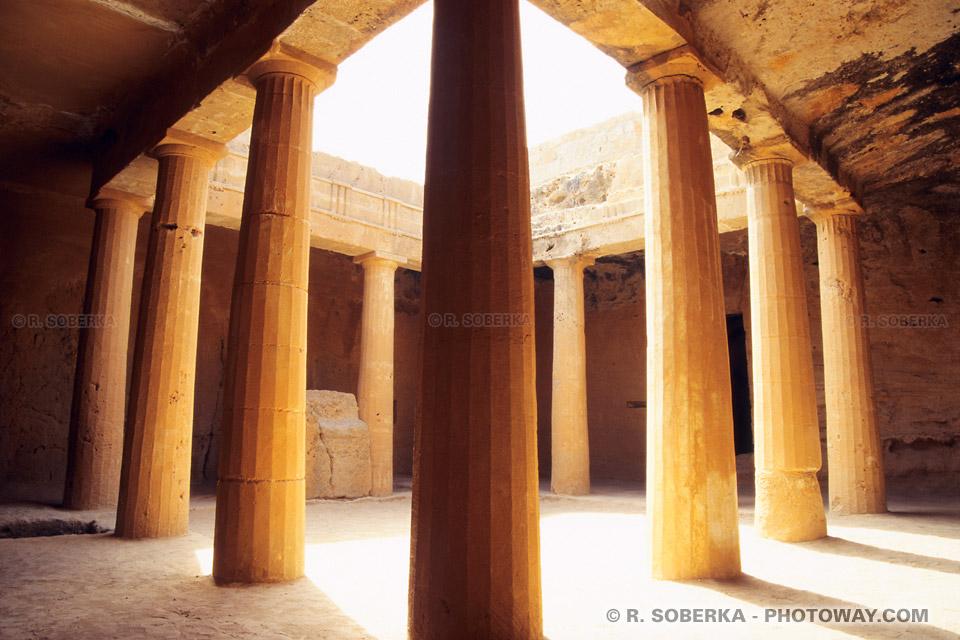 image Photo des tombeaux des rois Egyptiens de l'empire de Ptolémée