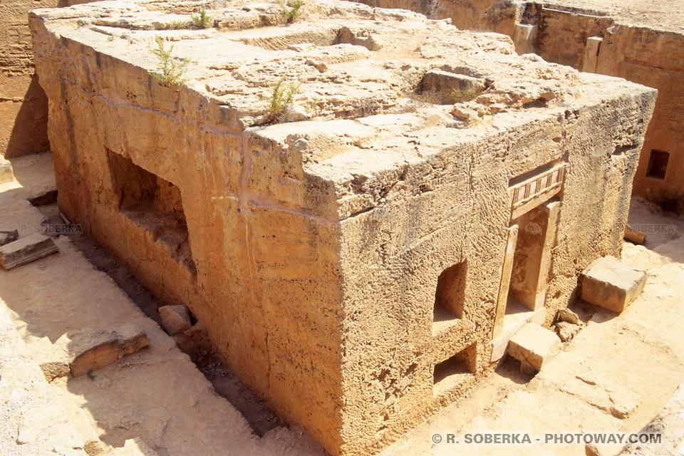 L'Invasion romaine de Chypre photos de caveaux époque Ptolémaïque