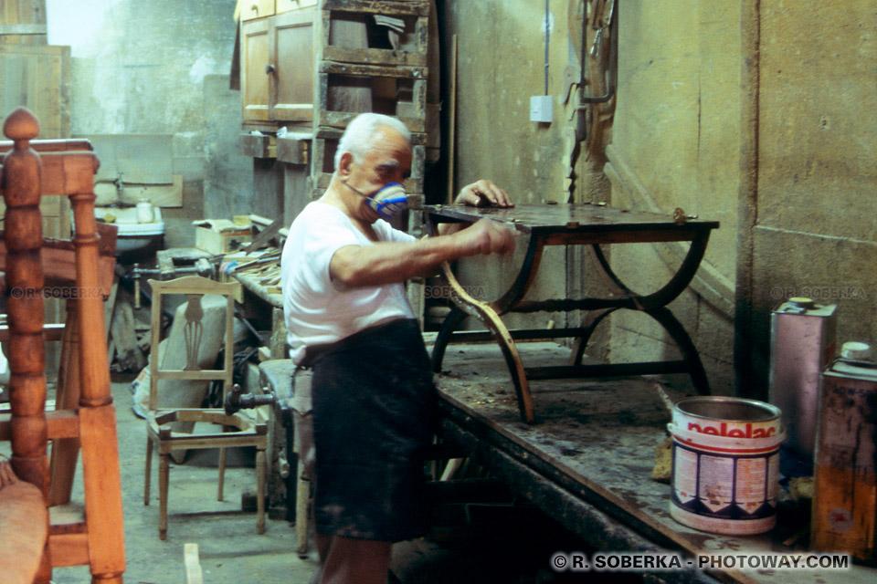 images Photos d'artisans photo d'un artisan menuisier à Nicosie Chypre