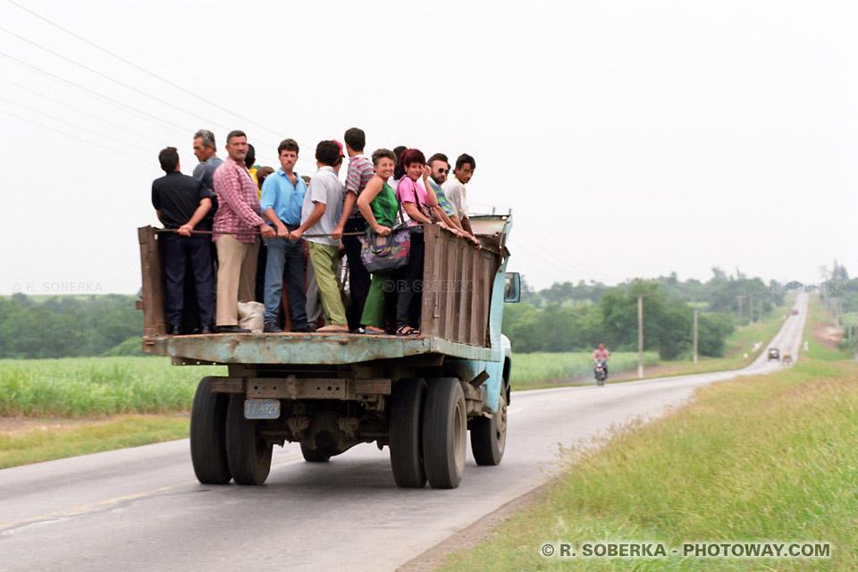 image Photos de transport à Cuba par camion benne entre villes reportage photo sur Photoway