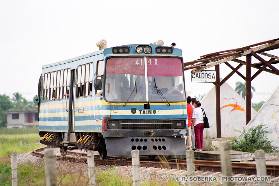 image Photos de trains à Cuba photo train et wagons chemin de fer Cubain