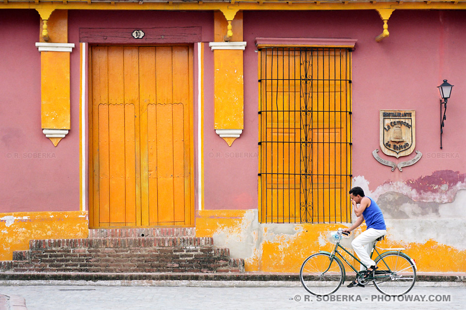 image photos d'art, cubain à bicyclette photo de Camaguey reportage à Cuba