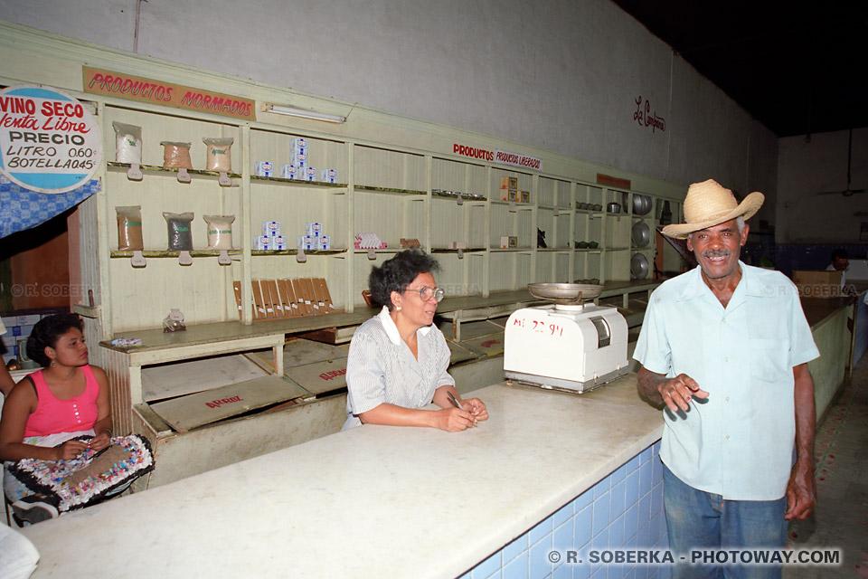 Magasin d'état à Cuba