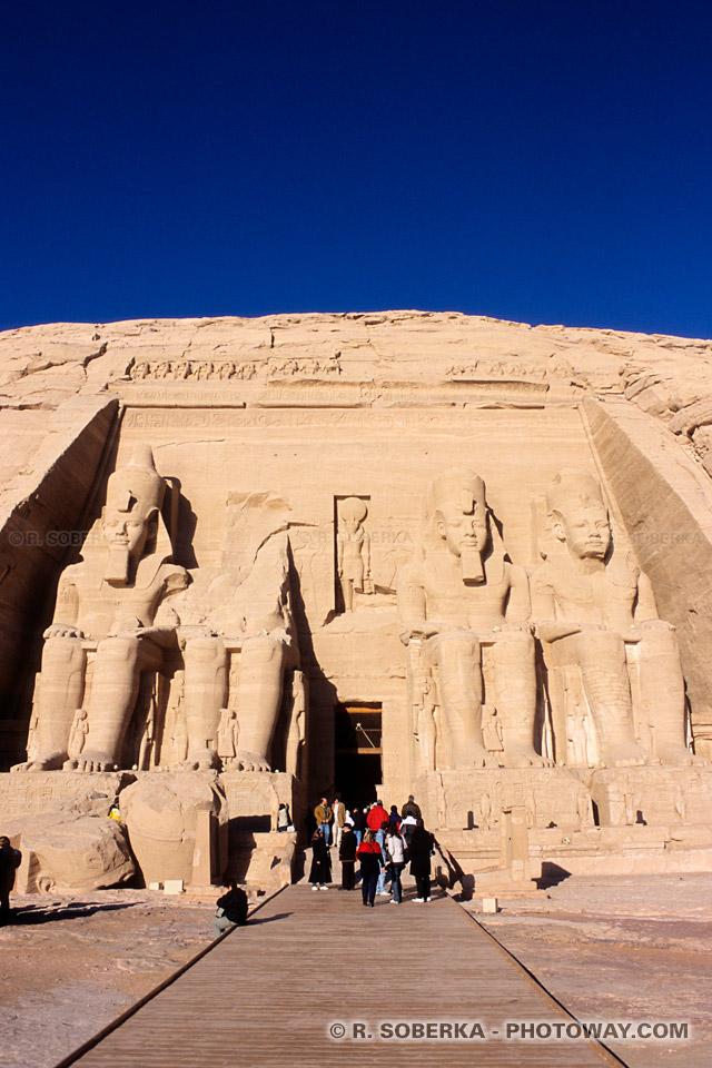 Photos du temple d'Abou Simbel photo et guide touristique en Egypte