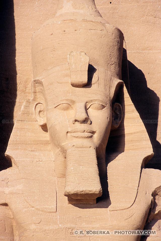 Photos de Ramsès II photo des colosses à Abou Simbel en Egypte