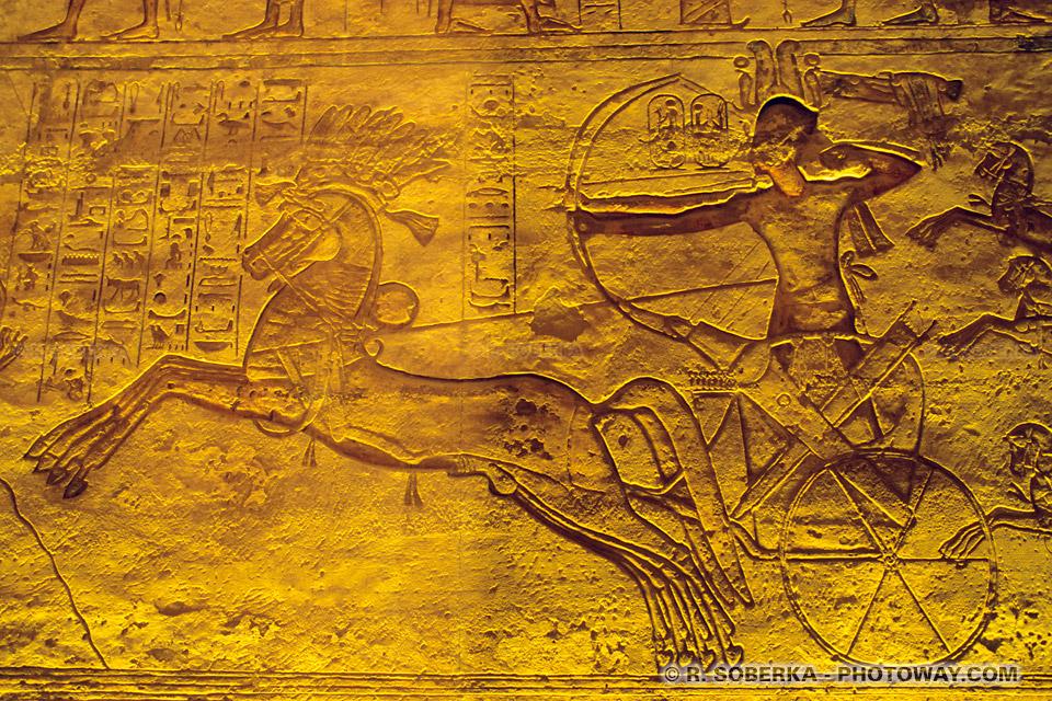 Ramsès 2 photos des gravures bataille de Qadech photo à Abou Simbel
