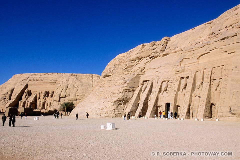 Photos du temple de Néfertari photo visite à Abou Simbel guide Egypte
