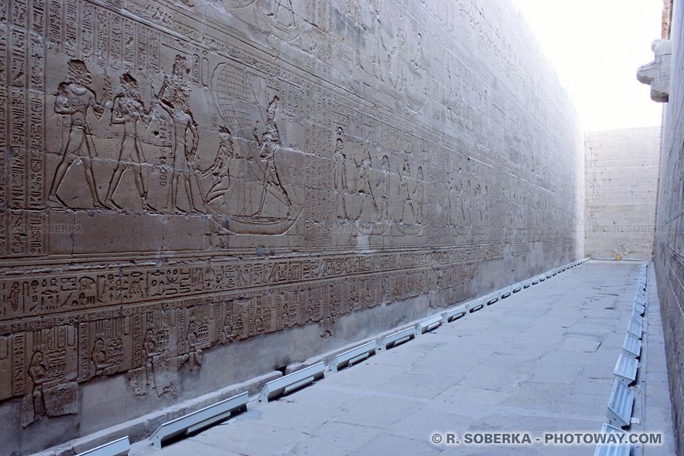 Photos de murailles photo du temple d'Edfou guide touristique en Egypte