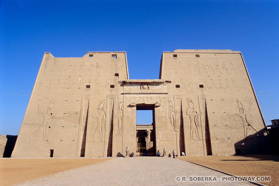 Photos du temple d'Edfou photo d'Edfou dédié à Horus visite en Egypte