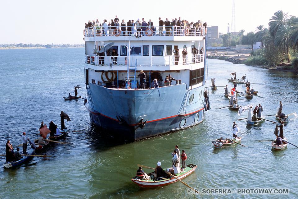 Photos du barrage d'Esna photo bateaux voyage sur le Nil en Egypte