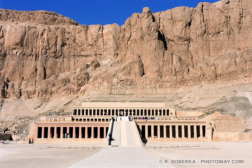 Photos temple de la reine Hatchepsout photo reportage à Thèbes Egypte