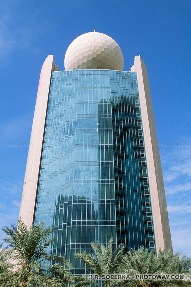 Image Photo de l'Etisalat Tower Dubaï photos aux Emirats Arabes Unis