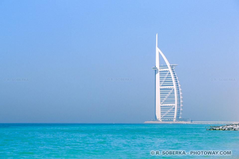 Image du Burj Al Arab hotel à Dubaï guide hôtel le plus luxueux au monde