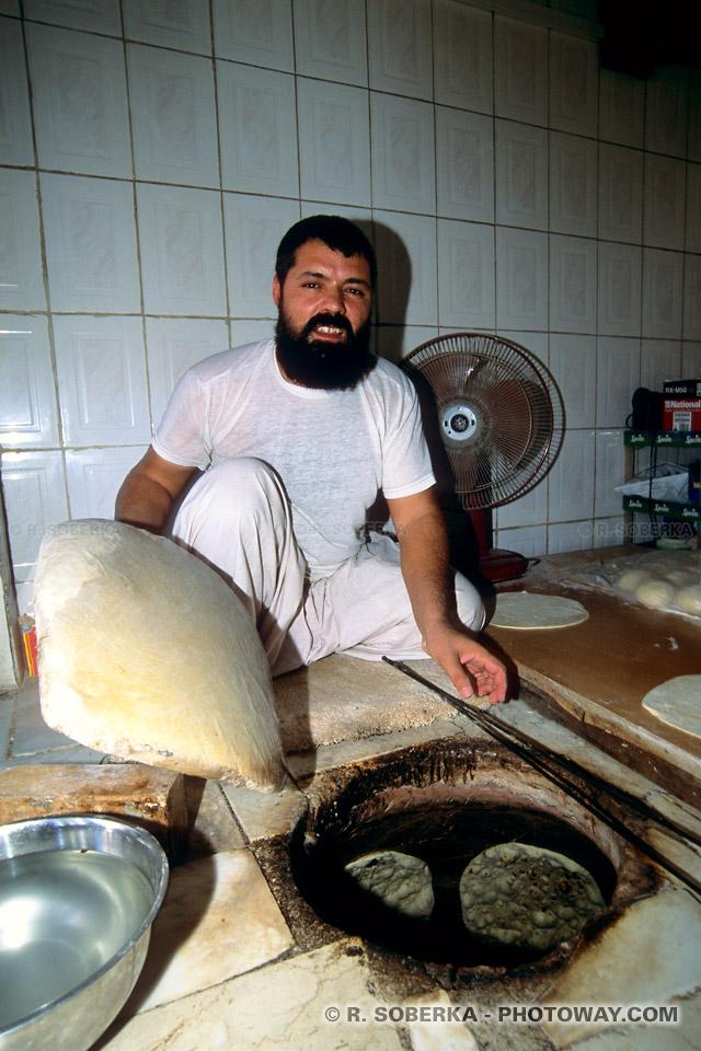 Image Photo de la cuisson du pain photos de cuisson du pain dans un four