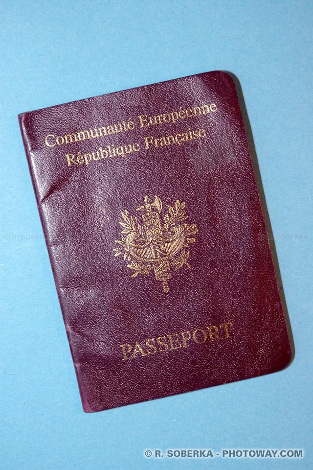 Image Photos de passeports photo de passeport français retenu à Dubaï