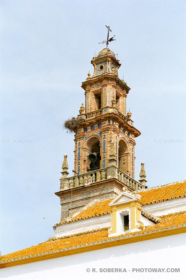 Clocher d'église de Carmona en Espagne