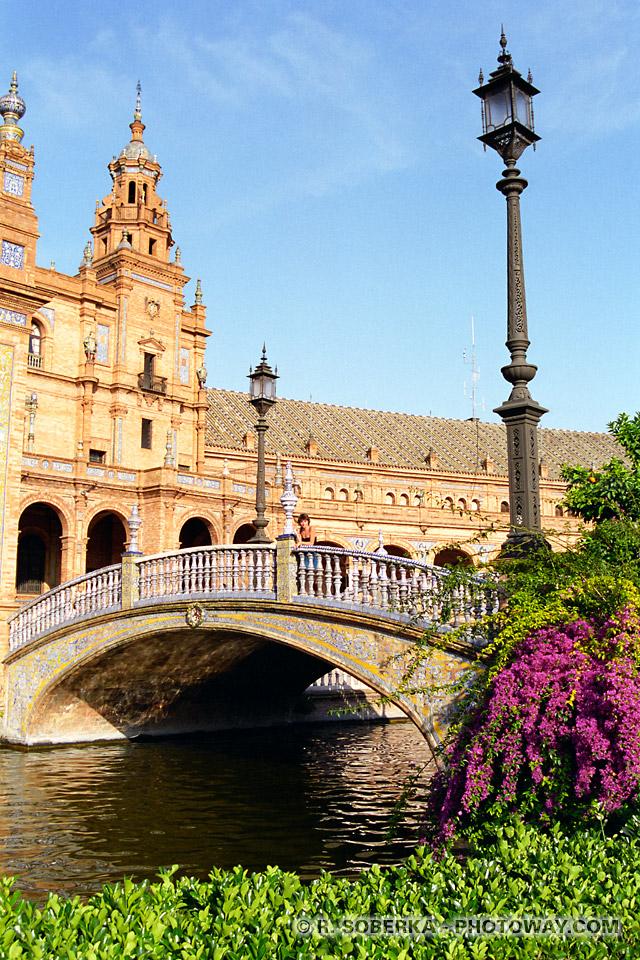 Photo romantique - Place d'Espagne à Séville
