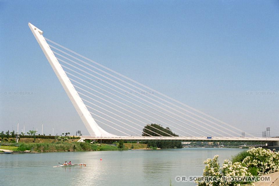 Ponts de l exposition universelle de séville en espagne