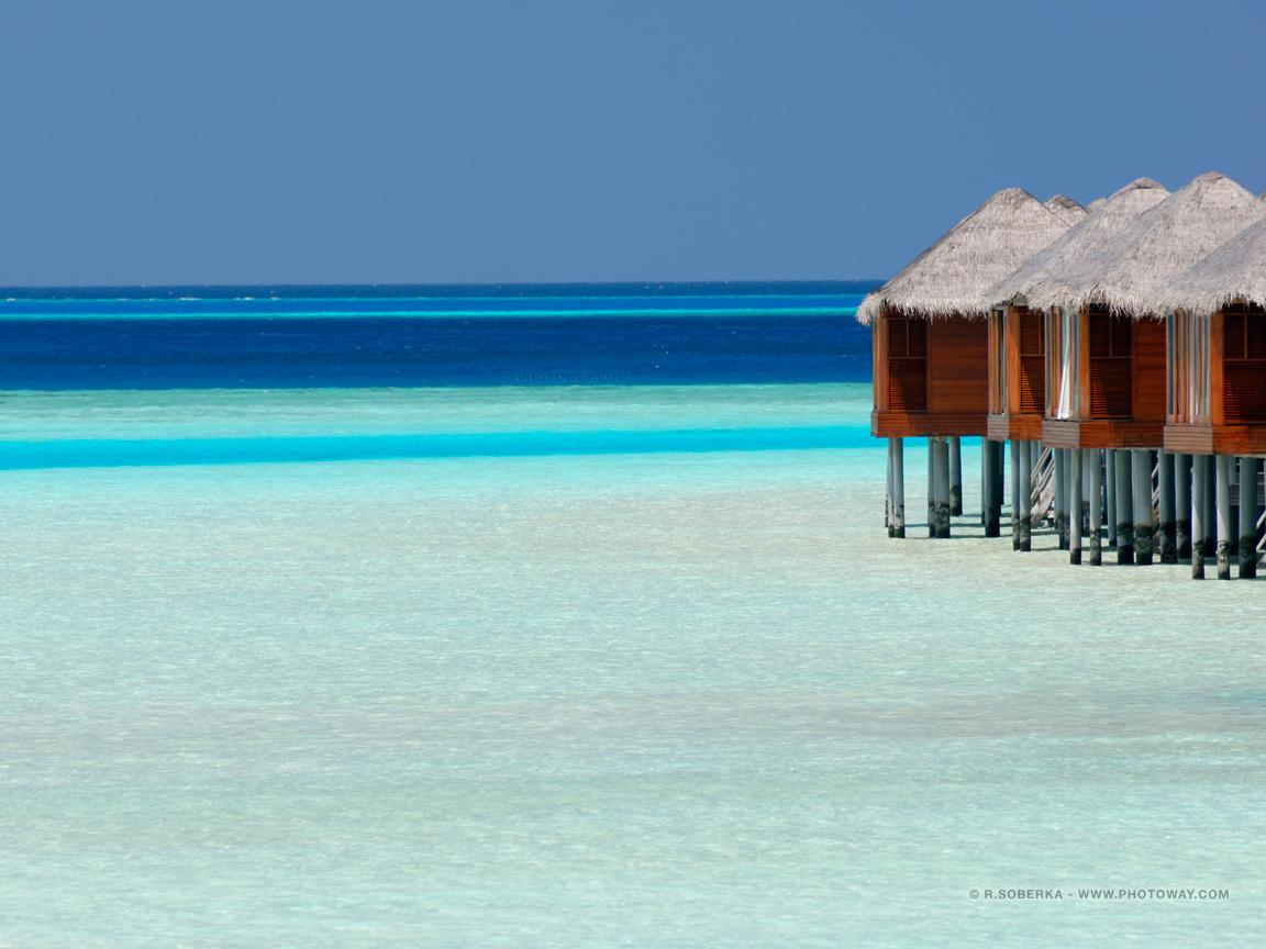 Fonds d 39 cran maldives bungalows fond d 39 cran lagon for Fond ecran 17 pouces