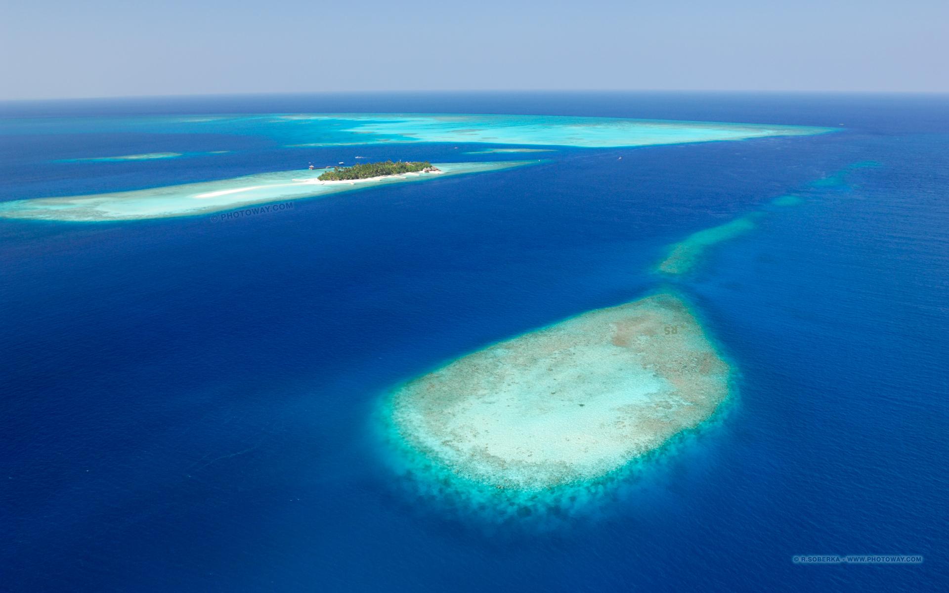 Fond d 39 cran maldives fond d 39 cran atoll wallpaper vue for Fond d ecran pour pc 17 pouces