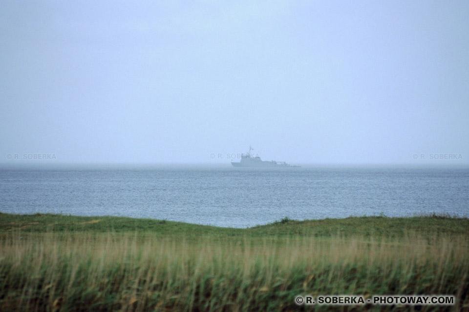 Images Photos de navires de guerre photo au large côtes normandes photos