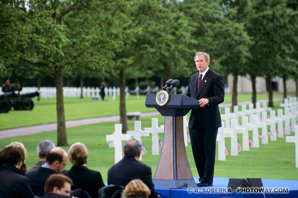 Photos du president George W. Bush photo en Normandie et discours