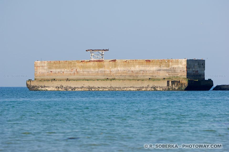 Photo d 39 un pho nix photos phenix du port artificiel d 39 arromanches - Port artificiel d arromanches construction ...