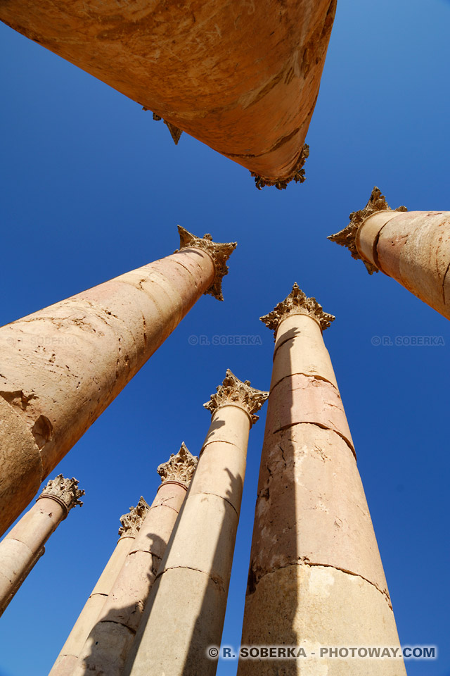 Photos des colonnes de Jerash en Jordanie photo du temple de Jerash en Jordanie
