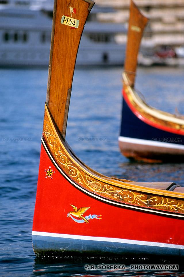 Images Photos de proues de bateaux photo proue style phénicien de bateau