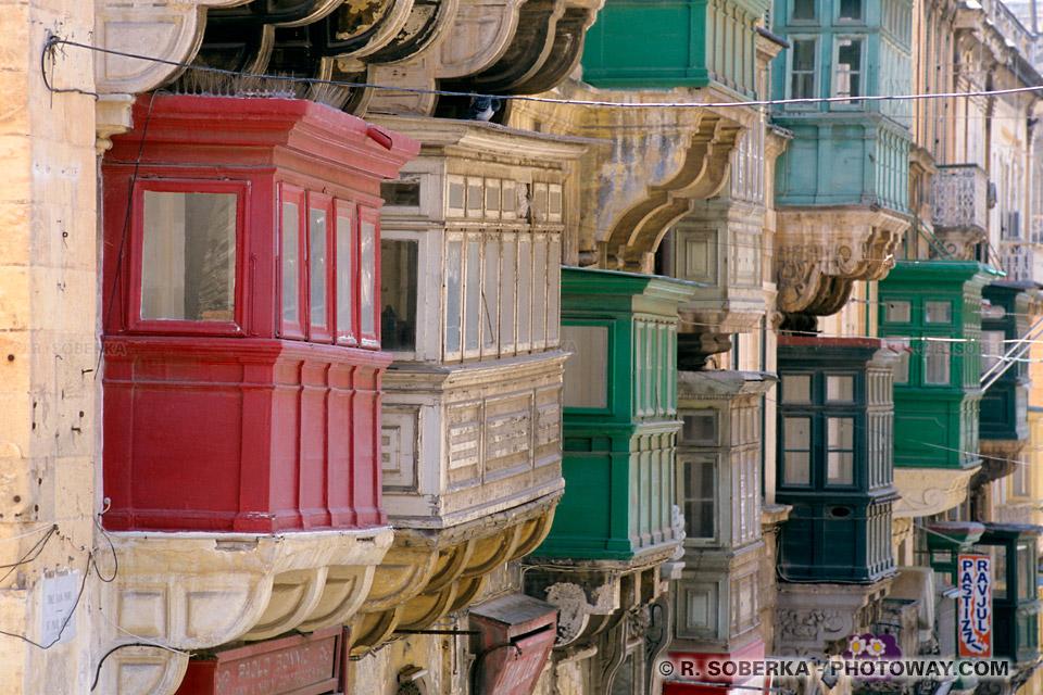 Images de Malte balcons baroques dans la vielle ville de La Valette