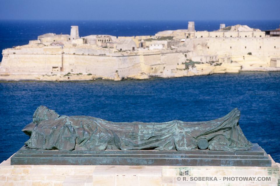 Images Photos de Chevaliers de l'Ordre de Malte photo d'un chevalier mort