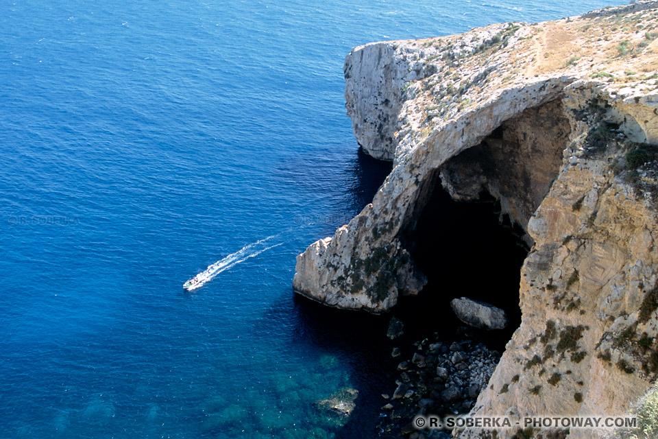 Images et Photos des côtes méditerranéennes photo de la Blue Grotto à Malte