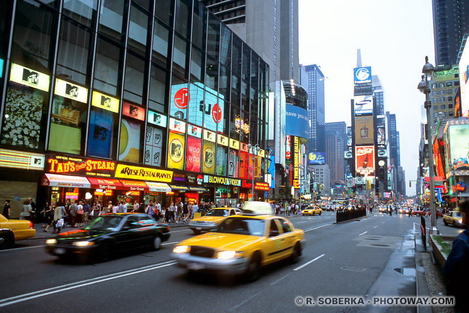 photos des taxis jaunes new york photo d 39 un taxi jaune. Black Bedroom Furniture Sets. Home Design Ideas
