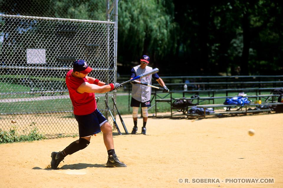 Images et Photos de base-ball photo d'une batte de base-ball et d'un joueur
