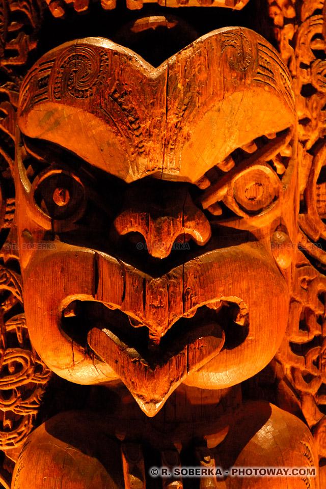 Photos d'une sculpture Maori de Nouvelle-Zélande